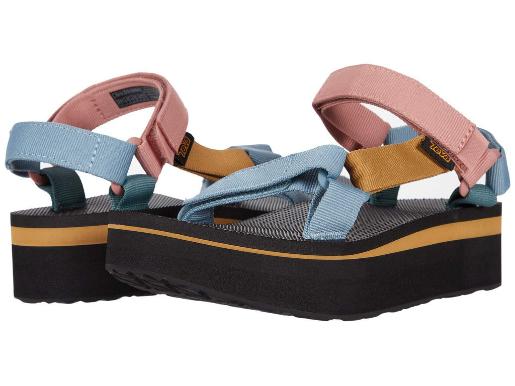 Teva Flatform Universal sandal will elevate your wardrobe this season. Shop Bennetts Clothing for the brands you love with same day shipping.