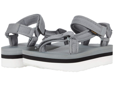 Teva Flatform Universal Mesh Print sandal will elevate your wardrobe this season. Shop Bennetts Clothing for the brands you love with same day shipping.