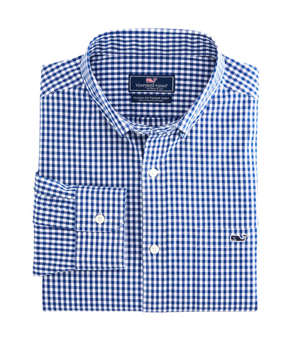 Vineyard Vines Arawak Gingham Tucker Shirt looks great dressed up with a jacket or down with your chino shorts. Shop Bennetts Clothing for a large selection of the latest fashions from Vineyard Vines