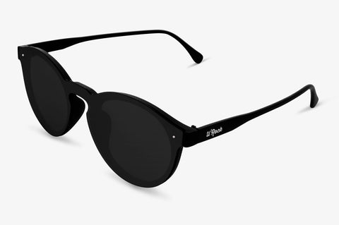 Vista lateral de las gafas Brooklyn Carbon de U'Rock Sunglasses. Lentes polarizadas en color negro