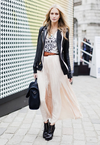 graphic tee with a long flow skirt is chic