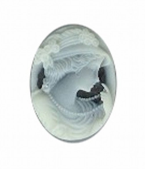 18x13mm woman with pearls black and ivory resin cameo 36A
