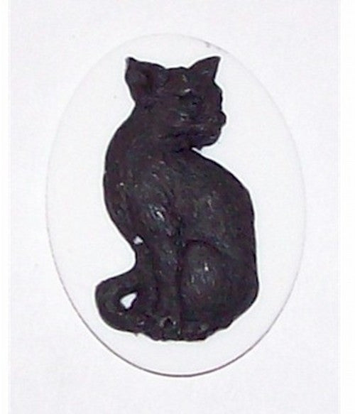 25x18mm White and Black Sitting Cat Cameo Resin Cameo 380x