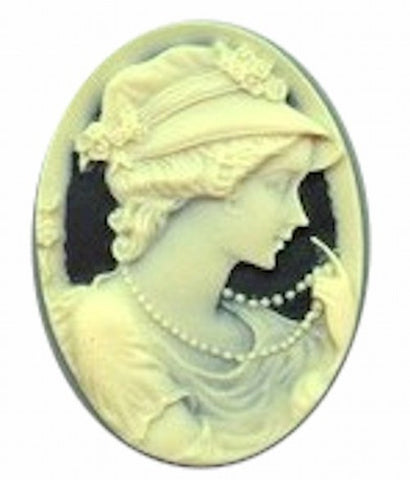 40x30mm Lady with Pearls and Hat Black and Ivory Resin Cameo 606R