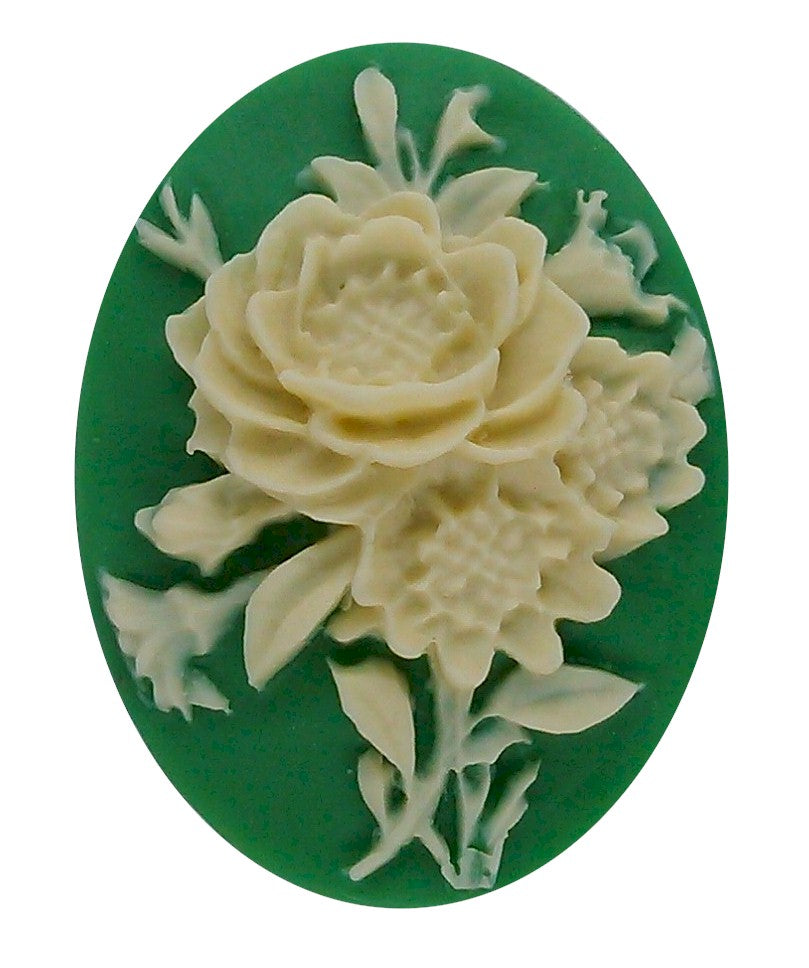 40x30mm Green and Ivory Flower Bouquet Resin Cameo 70R
