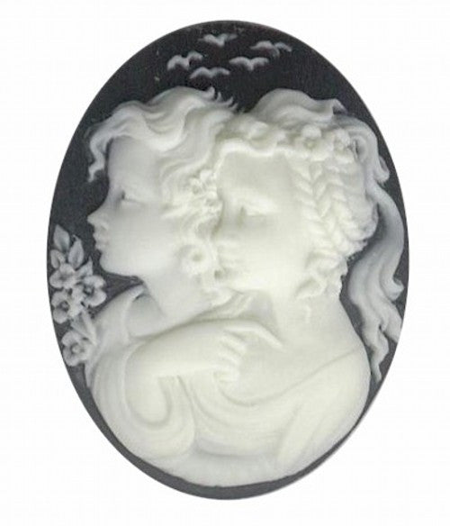 40x30mm Black and Ivory Two Girls Resin Cameo 813q
