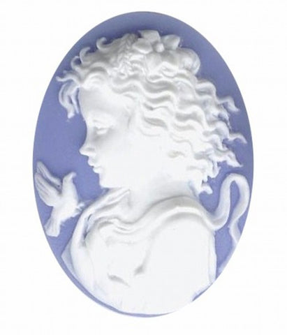 40x30mm  girl with bird blue and white resin cameo 815q