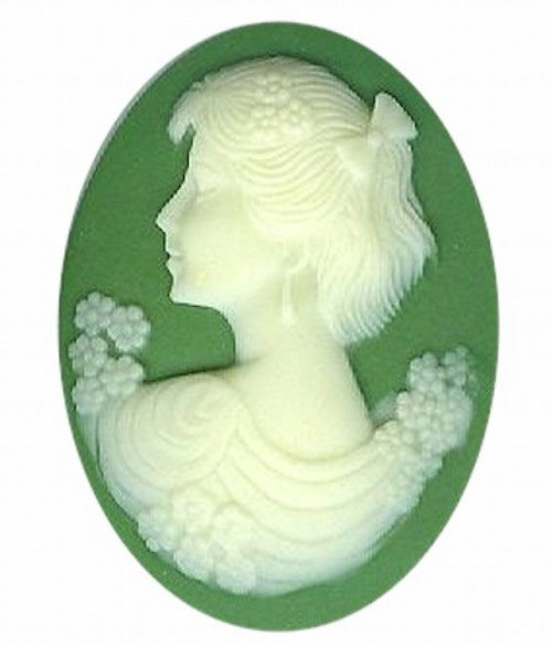 40x30mm Green and Ivory Woman with Short Hair Resin Cameo 853q