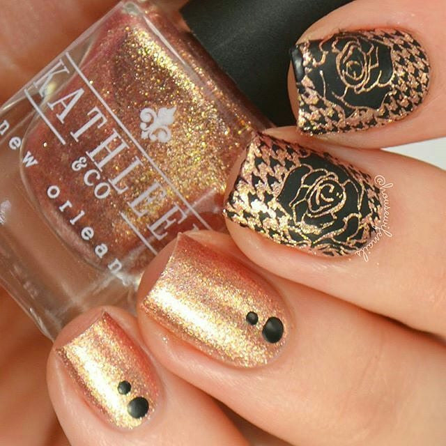 Dress Your Nails 01
