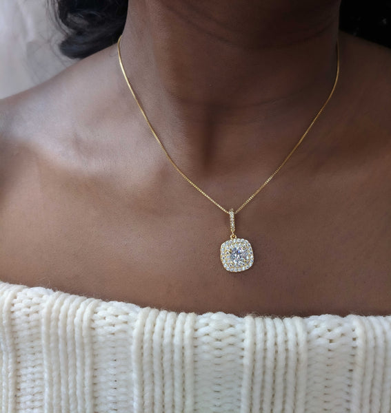 Phoebe - Rounded Square Gold Necklace