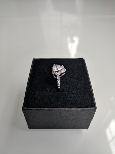 Sweetheart White Gold Ring
