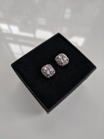 The Mini Monroe Studs Platinum plating