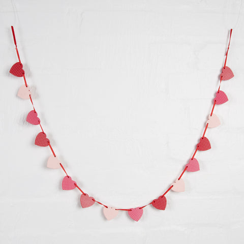 RED HEART MINI GARLAND - Feeling Quirky