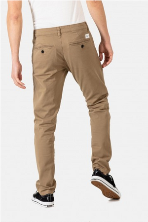 Flex Tapered Chino Hose darksand