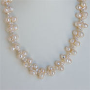 Flower Pearl Necklace (3 Colors to choose)
