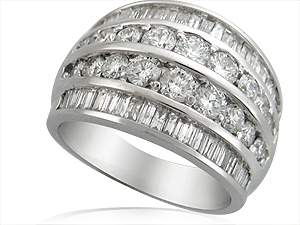 RG15200 - 14KT WHITE GOLD & 2.5CTW DIAMOND 4-ROW FASHION RING