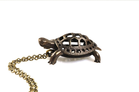 Box Turtle Necklace - Steel - Free For Mind