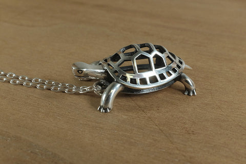 Box Turtle Necklace - Sterling Silver - Free For Mind