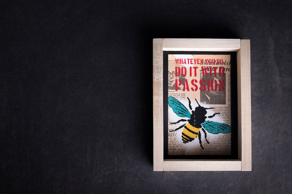 Bee Maja original print with frame M