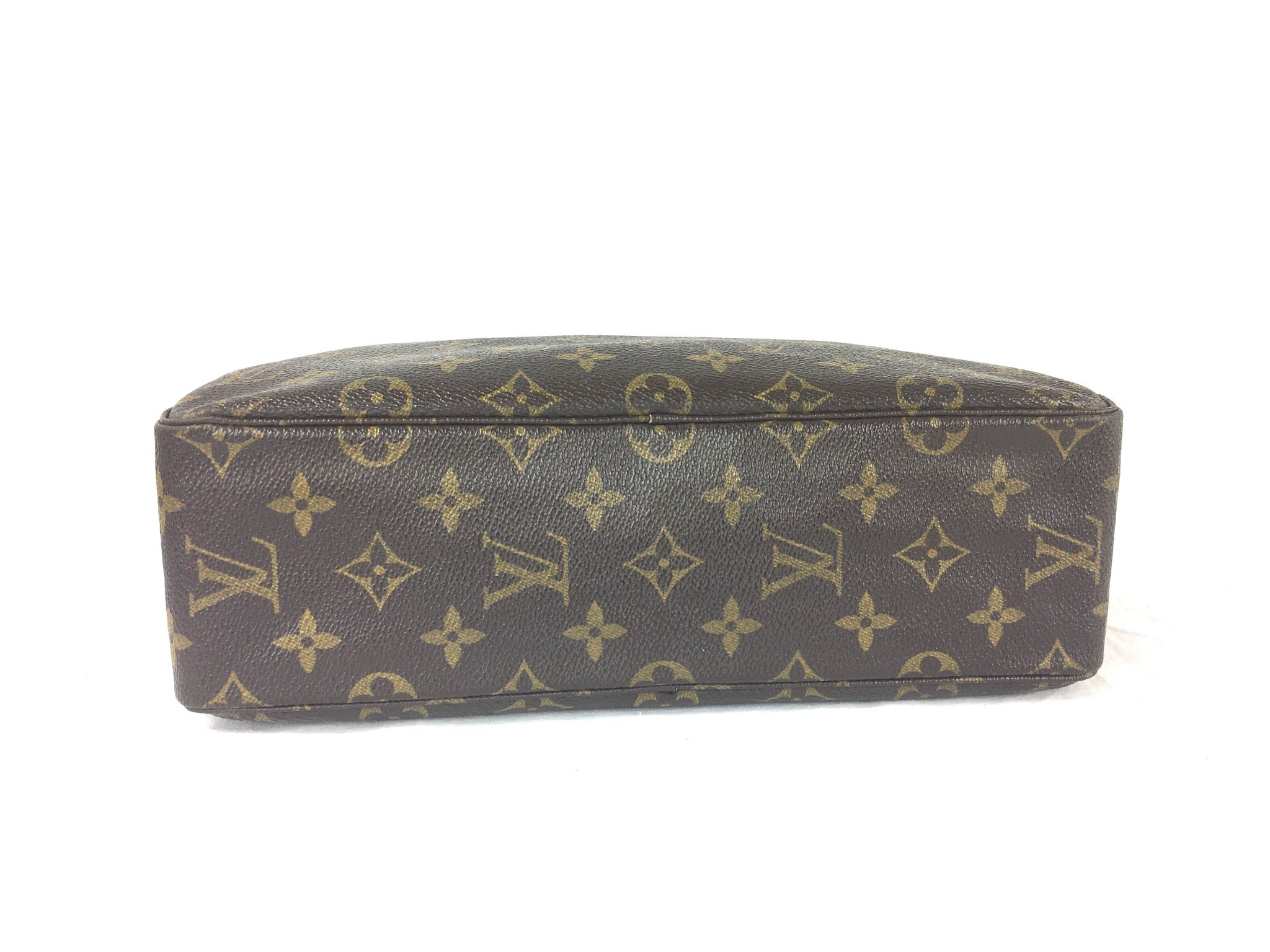LOUIS VUITTON Cosmetic Bag Clutch 28