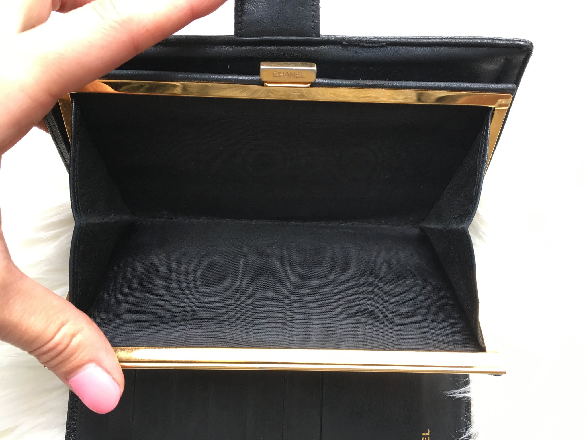 CHANEL Caviar Black CC Wallet