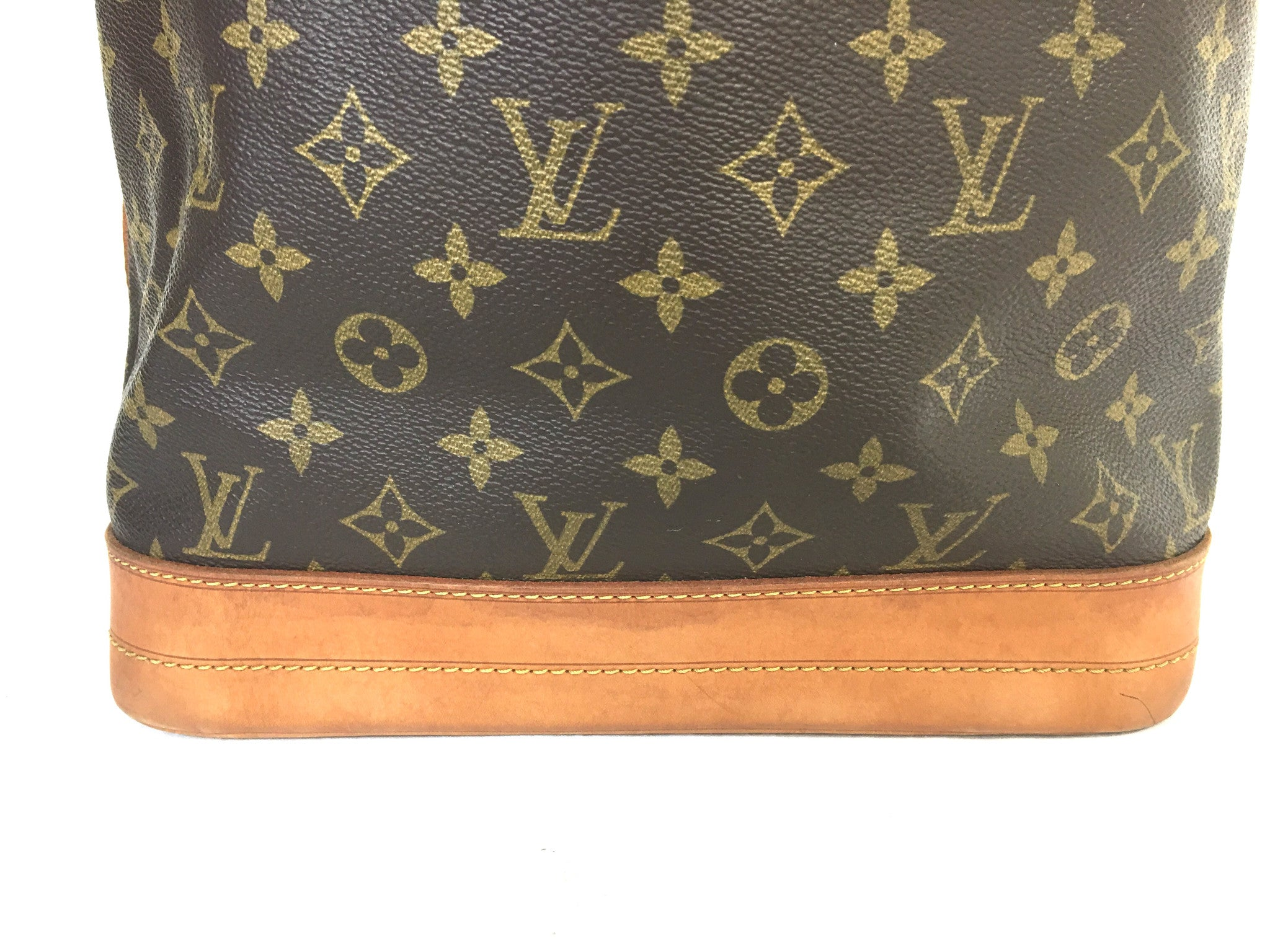 LOUIS VUITTON Noé GM Monogram Bucket Bag