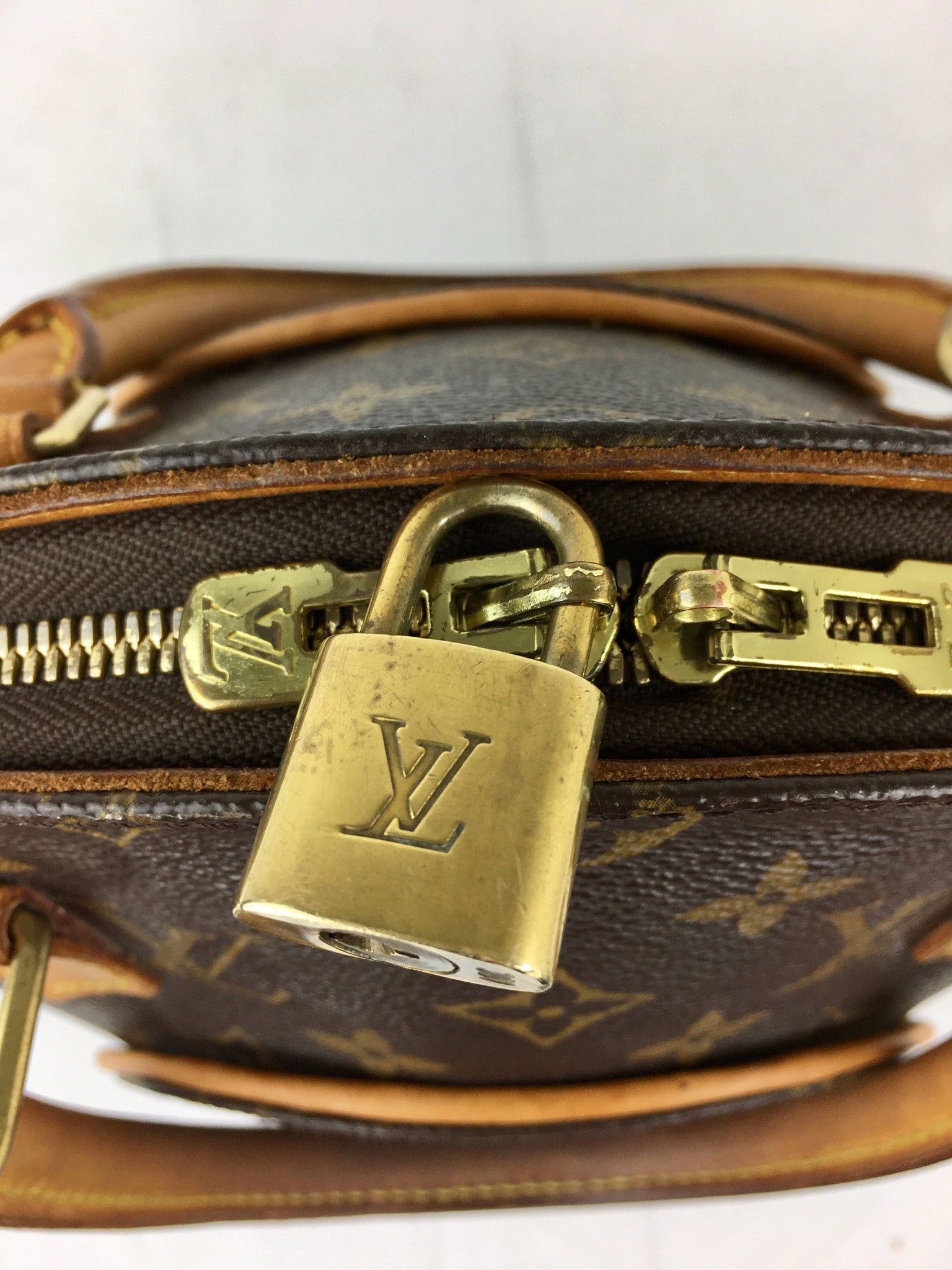 LOUIS VUITTON  Monogram Ellipse MM Bag