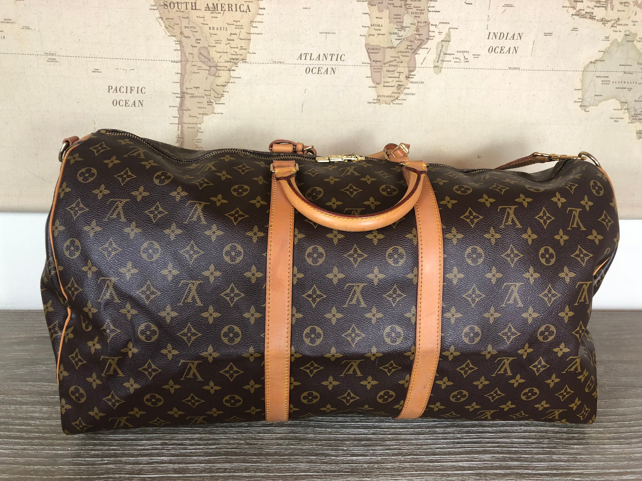 LOUIS VUITTON Keepall Bandouliere 60 Duffel Bag