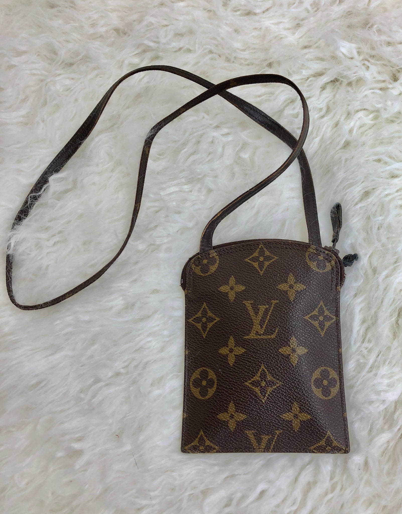 LOUIS VUITTON Travel Pochette