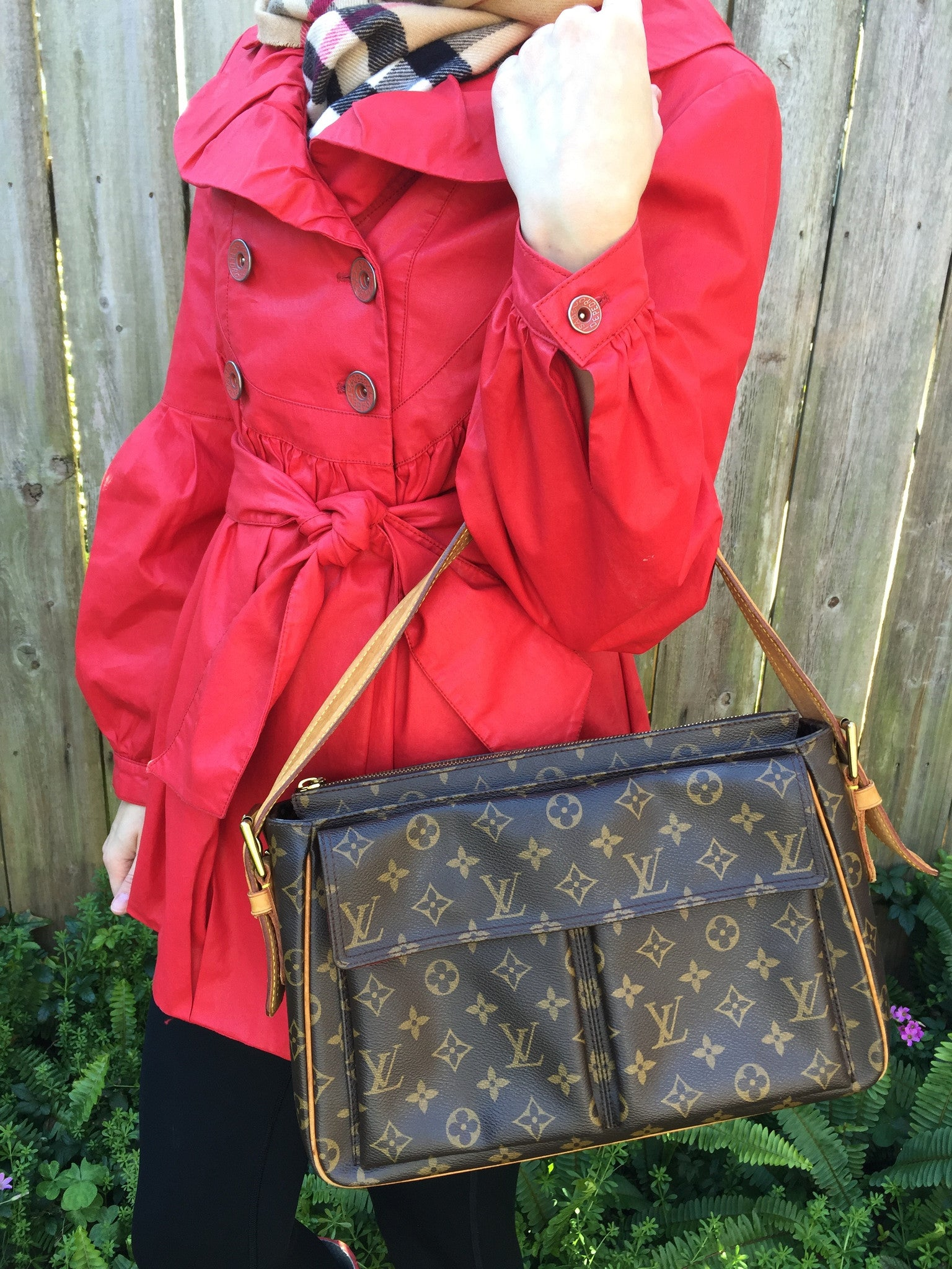LOUIS VUITTON Viva Cite GM Shoulder Bag