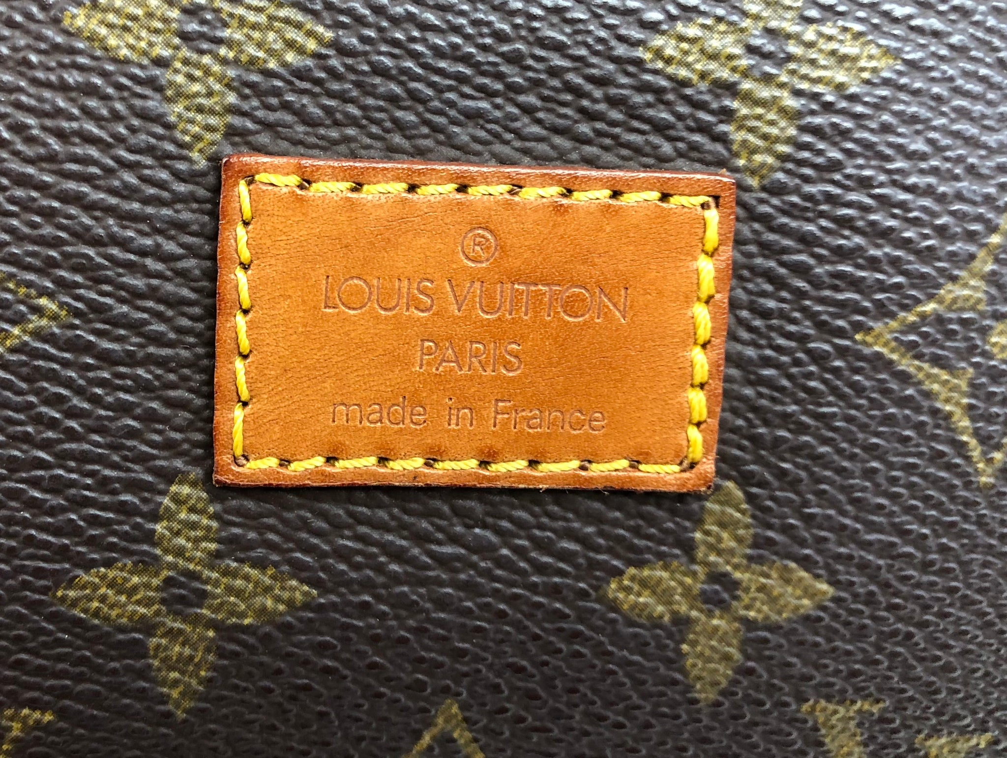 LOUIS VUITTON Monogram Saumur 30 Crossbody Bag (AR1912)