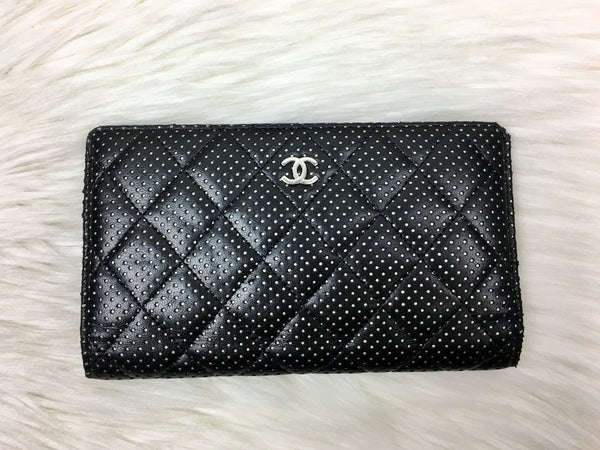 CHANEL Lambskin Perforated Black/White Wallet