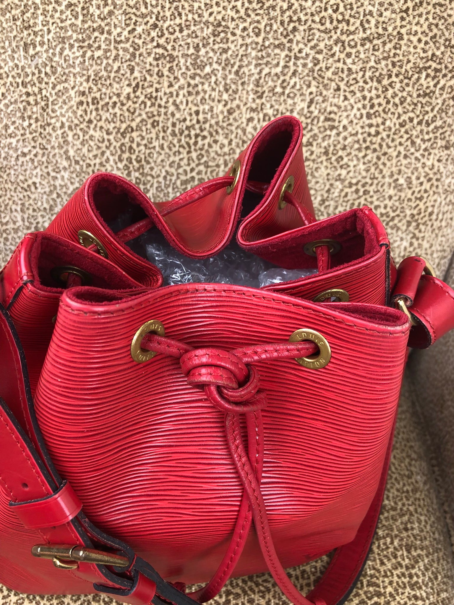 LOUIS VUITTON Red EPI Noe PM Bucket Bag