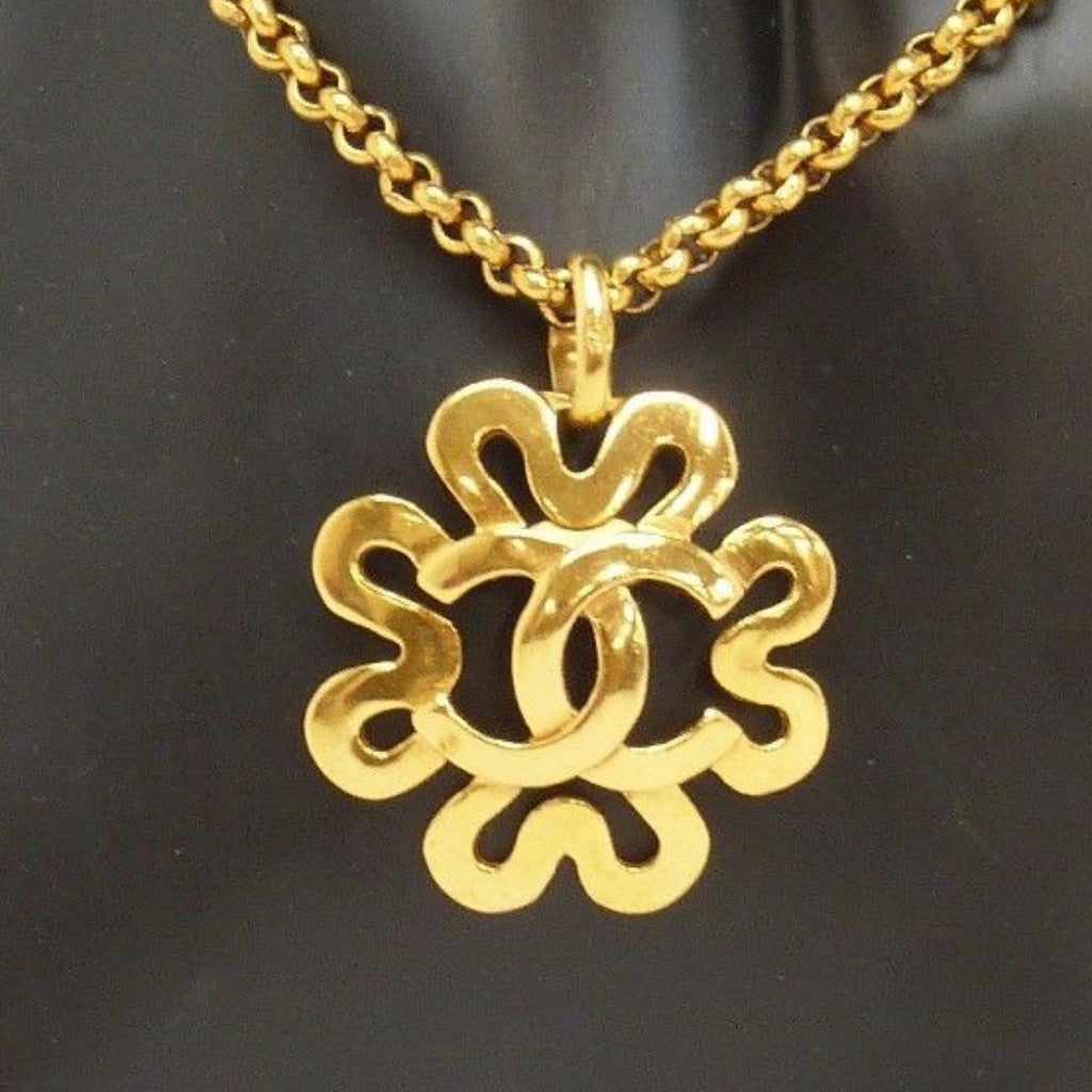 CHANEL Gold Pendant Necklace
