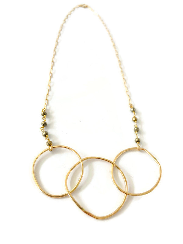 Anaïs Open Circle Necklace