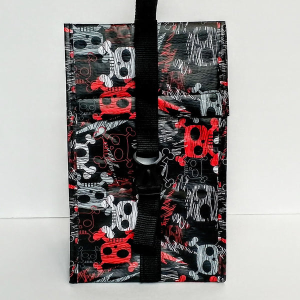 Black Skull & Crossbones Insulated Lunch Sack