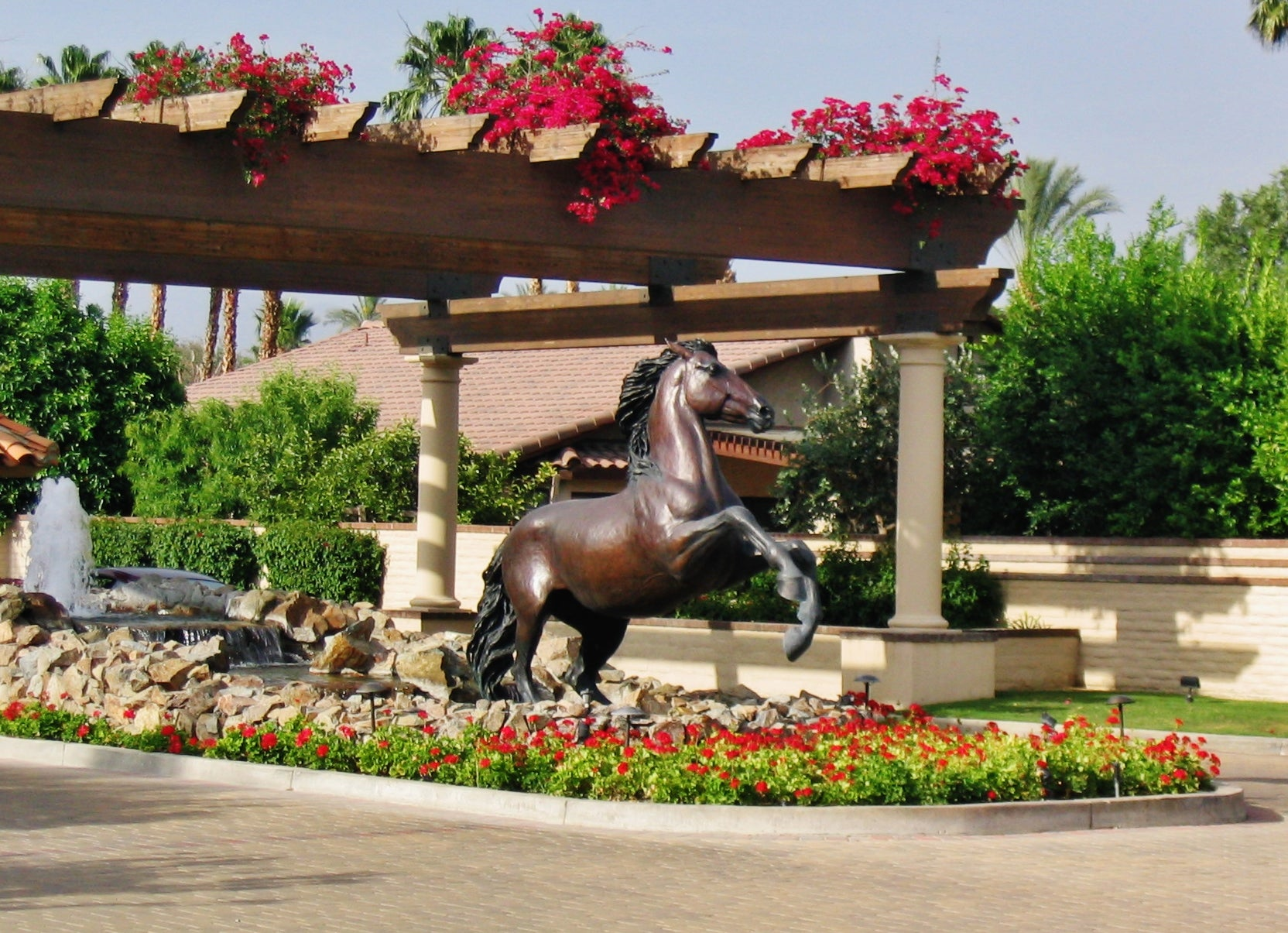 Spirit monumantal bronze horse statue rancho mirage