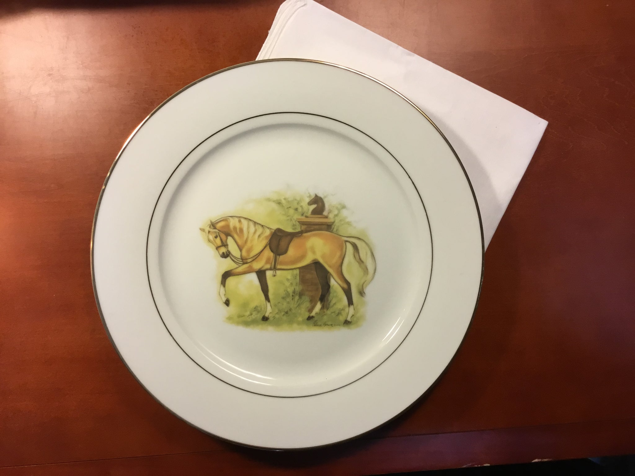 Palomino horse dinner plates, set of 6, 10.75 inch