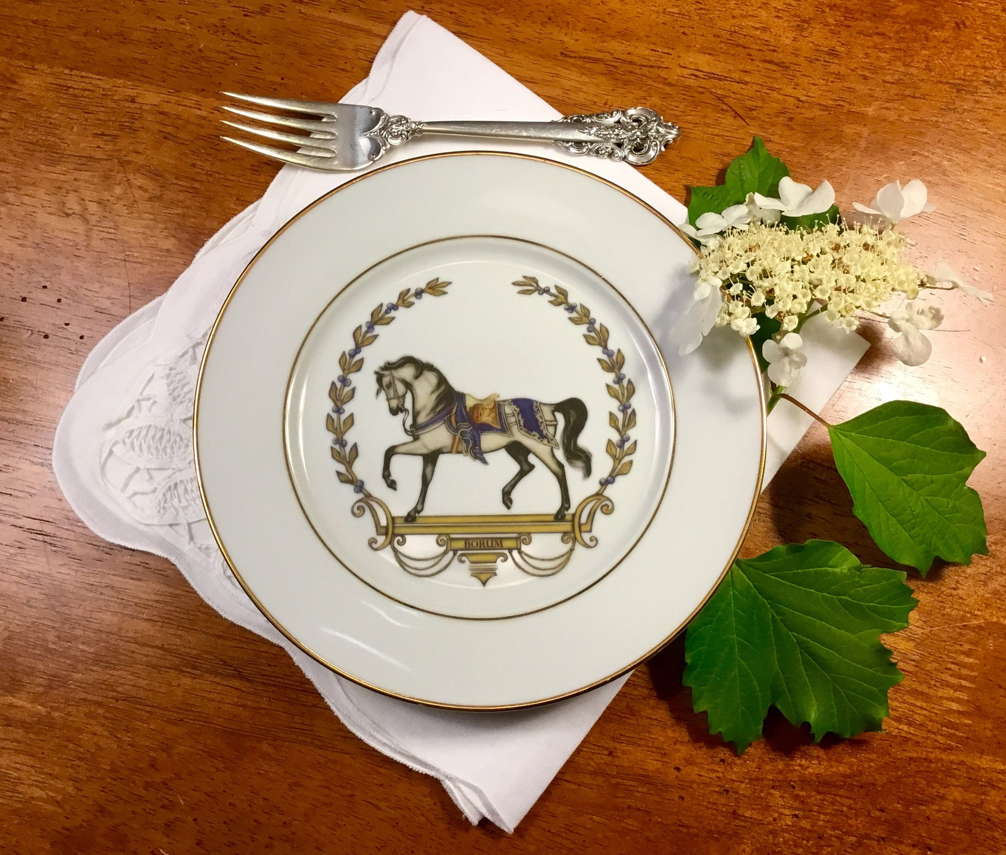 Patricia Horse plates white blue set of 4