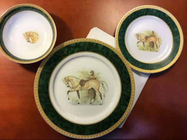Palomino horse dishes, set 4 place settings, 12 pieces total