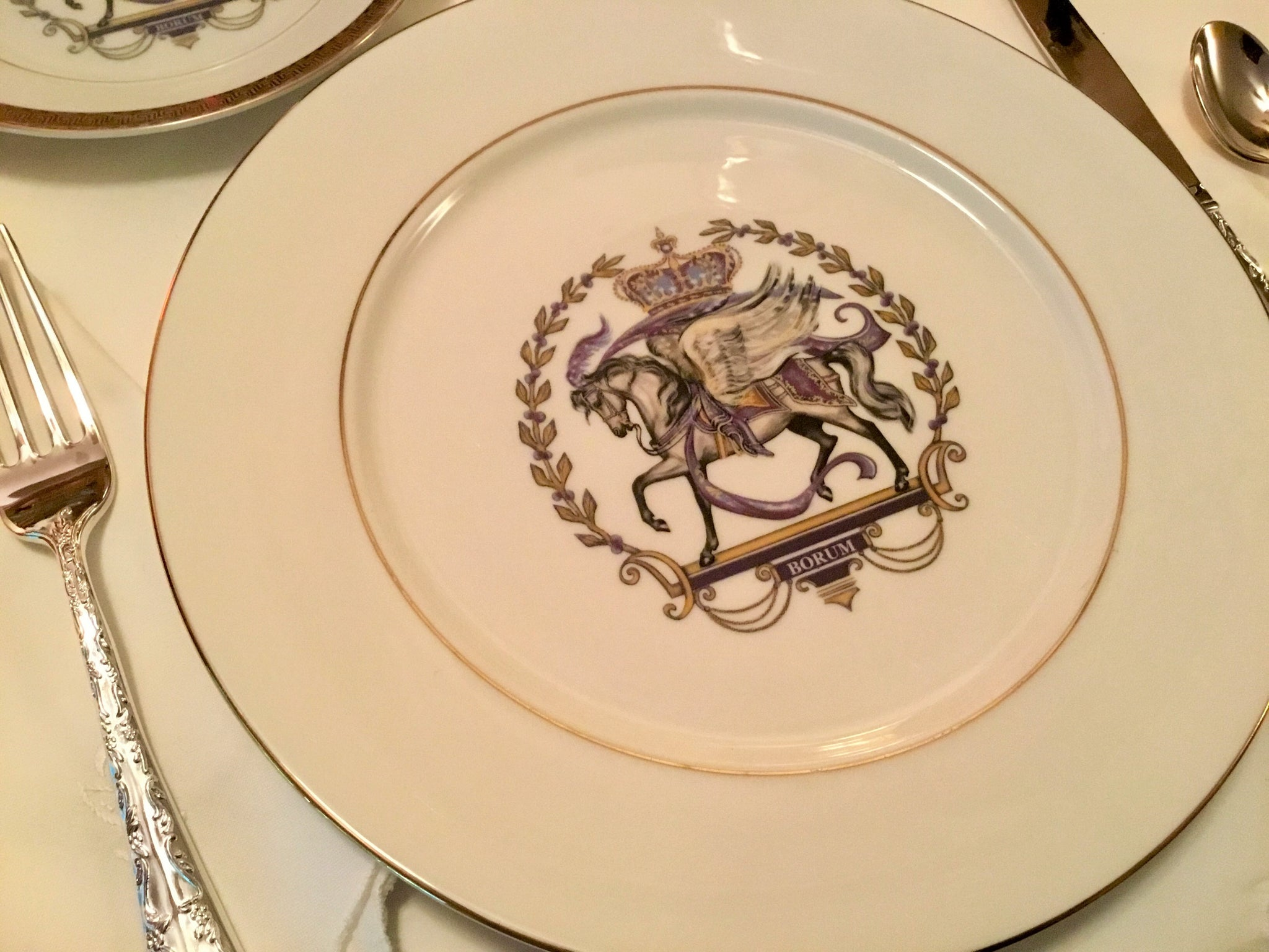 Royal Pegasus horse dinner plates, gently used