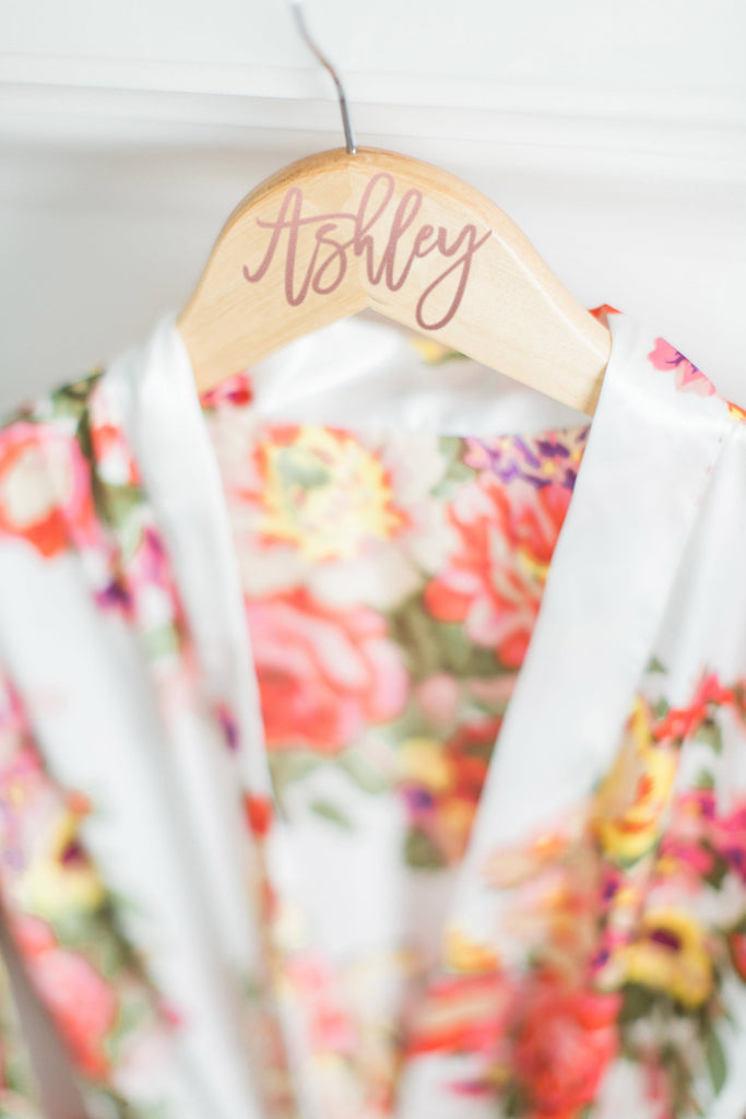 personalized bridal hanger for robes or wedding dress photos