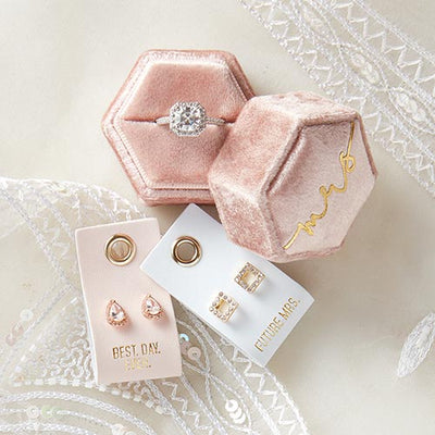 mrs velvet ring box with earring gift set