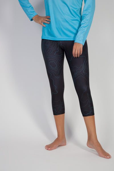 Topographer Deep Black Capri