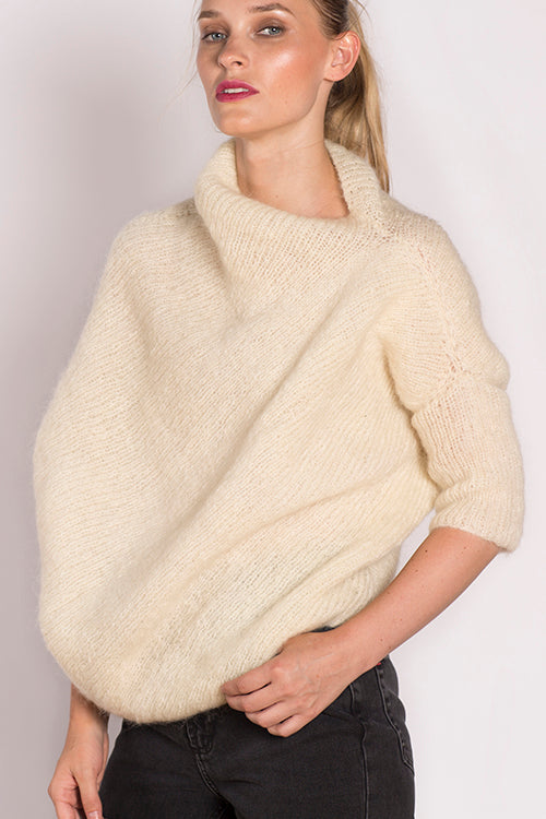 Zaha Sweater in Cream