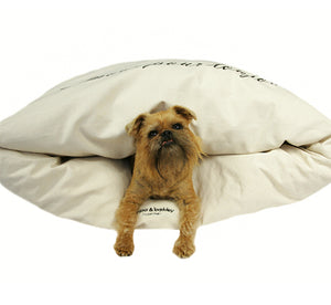Miyow & Barkley Snuggle Pod Cat and Dog Bed - Vintage