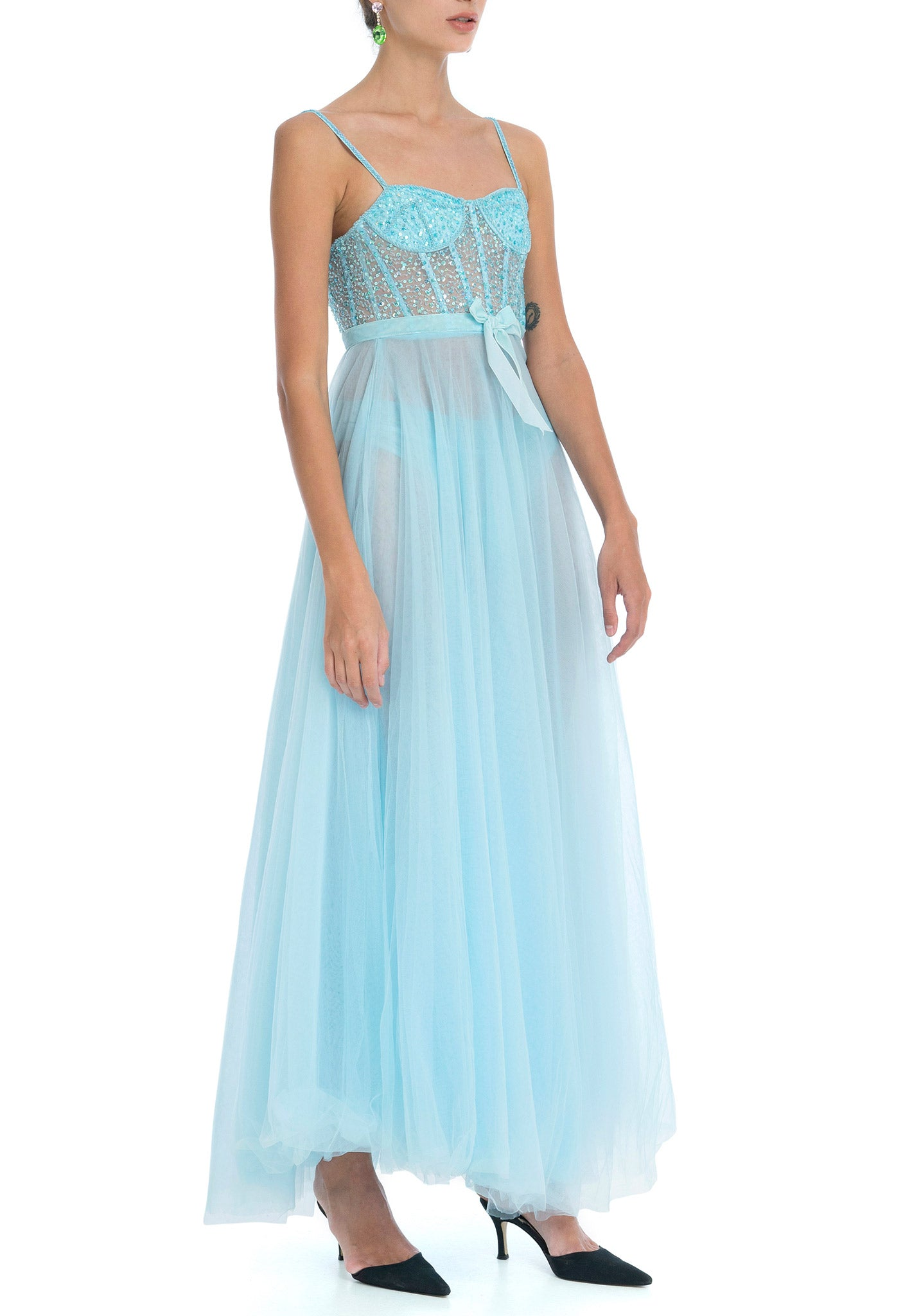 https://cdn.shopify.com/s/files/1/1129/2532/files/Nephele-Gown-Dyspnea-1.mp4?2886