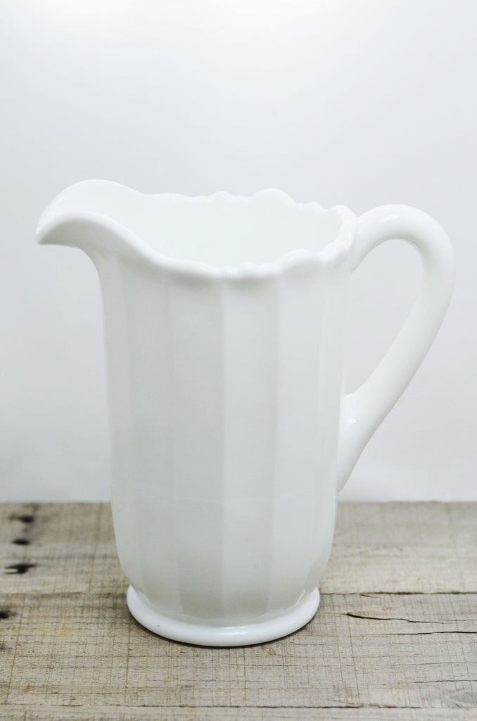 Milk Glass Scalloped P...