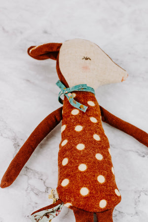 Load image into Gallery viewer, Plush Sleepy Fawn