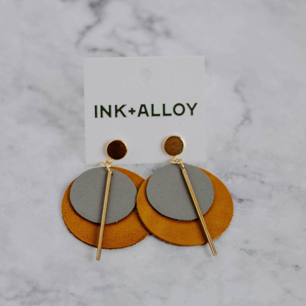 Load image into Gallery viewer, Leather & Brass Earrings